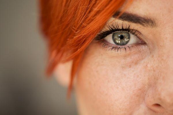 Les parasites du contour des yeux